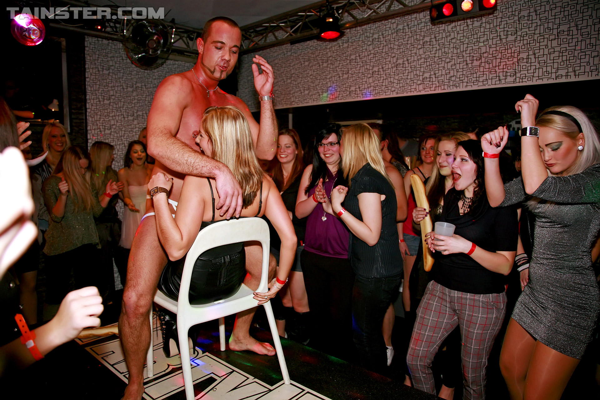 male stripper gets lucky on stage